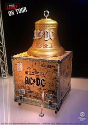 Rock Iconz on Tour: AC-DC - Hell's Bell Statue